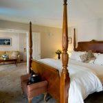 Honeymoon Suite (t)